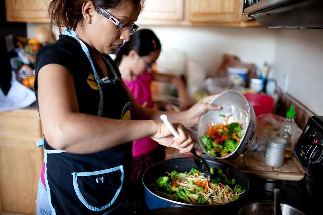 10tips_healthy_fam_meals
